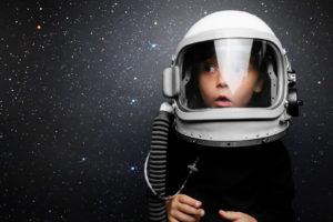 ילד אסטרונאוט