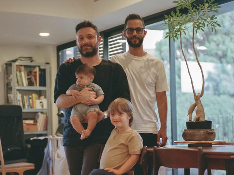 עידו (מימין), מיכאל וילדיהם אורי ואיתמר. צילום: מיכאל ליאני